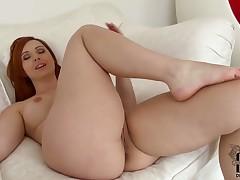 Milf Angell Summers tries her hardest to make herself orgasm