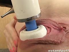 Kinky redhead orgasms with hitachi wand