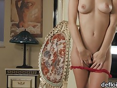 Consummate sweetie stretches slim slit and loses virginity