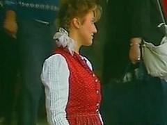 Bavarian honey rides some lummox shlong
