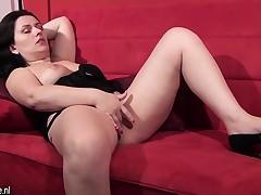 Mature european woman masturbating Diana from 1fuckdatecom